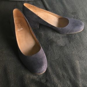 NWOT Naturalized grey suede block pump sz 9